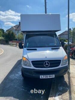 Mercedes Sprinter Luton Van